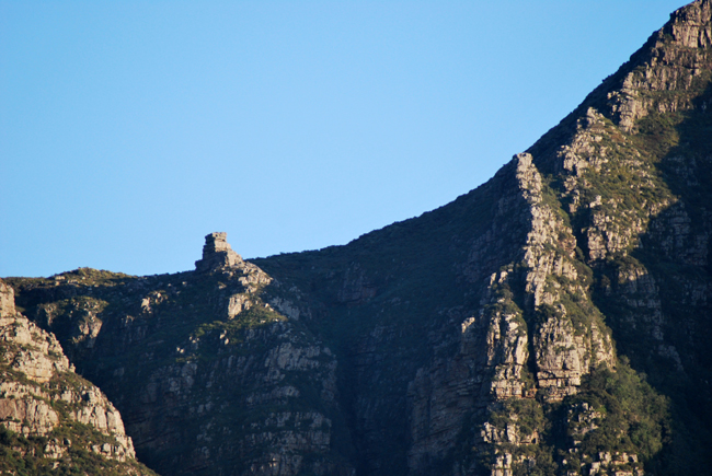 Closer view of The Pulpit, that resembles a church lecturn, standing up on its own on the mountain horizon beween Els buttress and Devil's Peak.